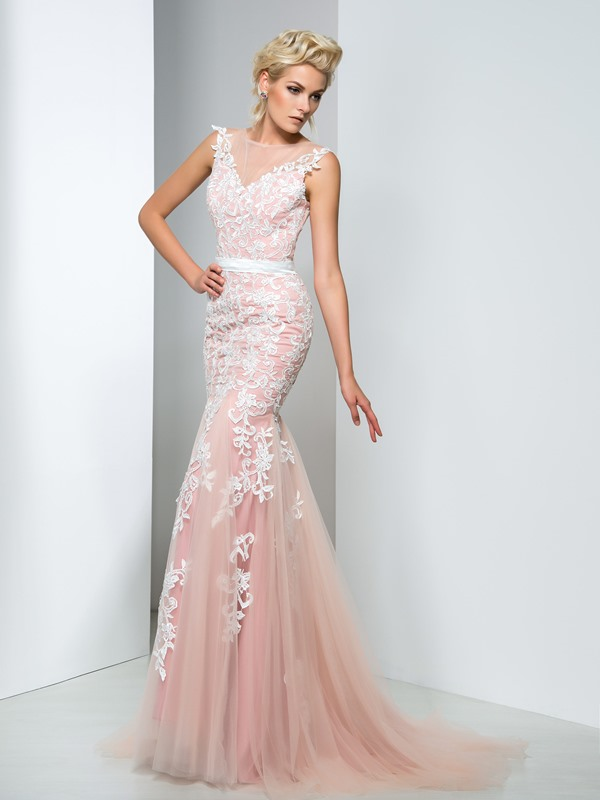 Bateau Lace Appliques Long Evening Dress