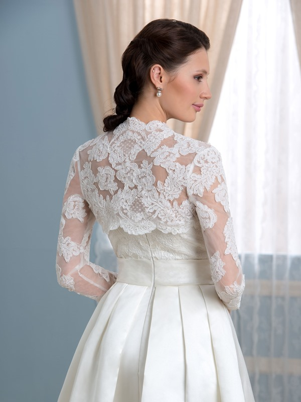 Knee-Length Appliques Wedding Dress with Jacket