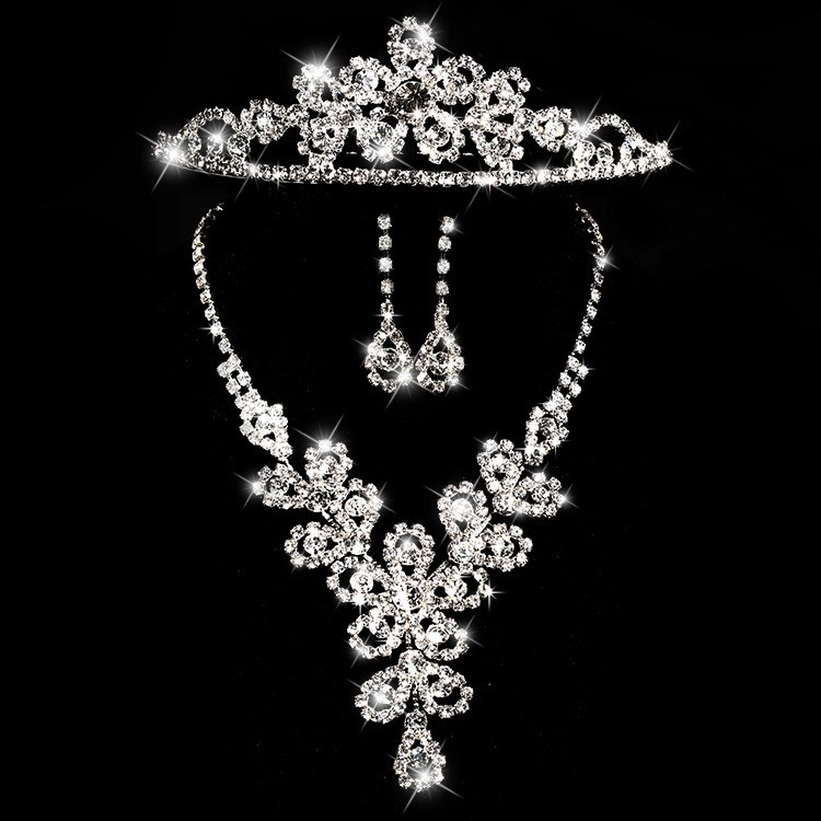 Fancy Floral Rhinestone Wedding Jewelry Set (Including Necklace, Tiara, and Earrings)
