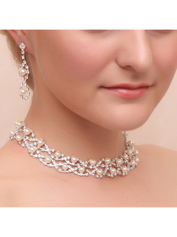 Exquisite Pearls and Rhinestone Alloy Wedding Jewelry Set (Including Necklace and Earrings)