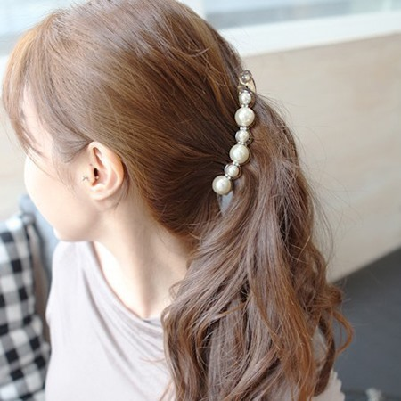 Pearl Decorated Hair Clip