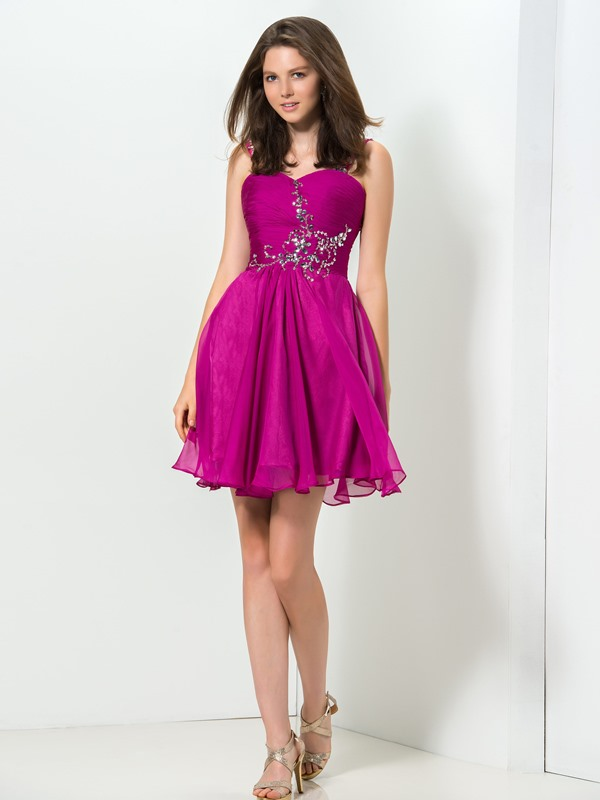 Modern Sweetheart Straps Beaded Short Homecoming Dress