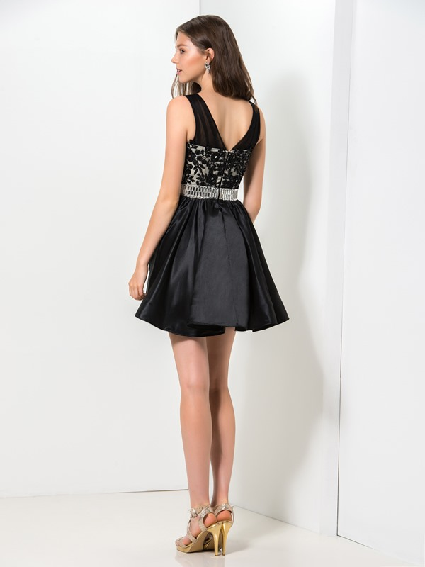 Stunning V-Neck Embroidery Lace Sequined Short Black Homecoming Dress