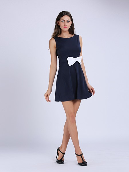 Contrasting Bow Back Cutout Skater Dress