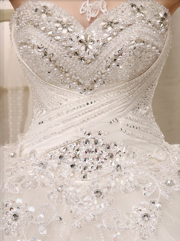 Ball Gown Lace Appliques Beaded Wedding Dress