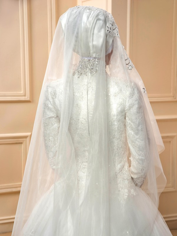 Sequins Appliques High Neck Muslim Wedding Dress