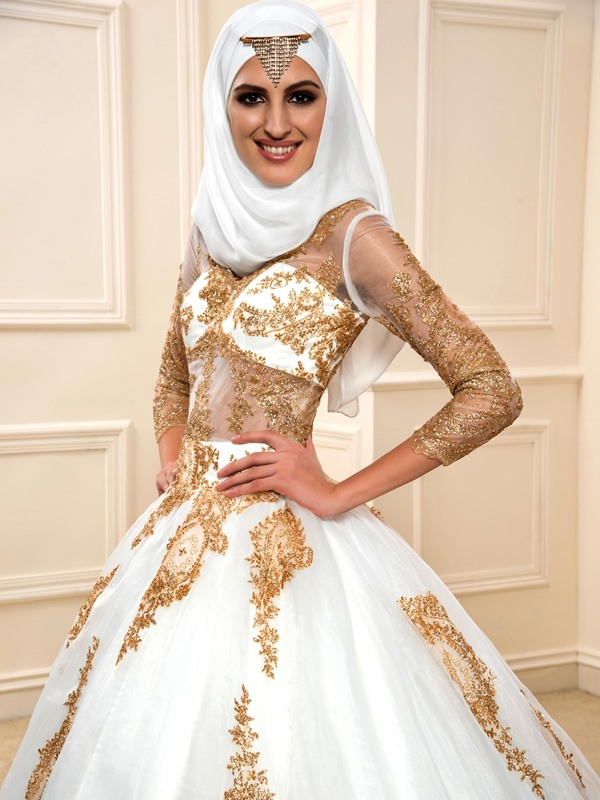 Lace Appliques Muslim Wedding Dress