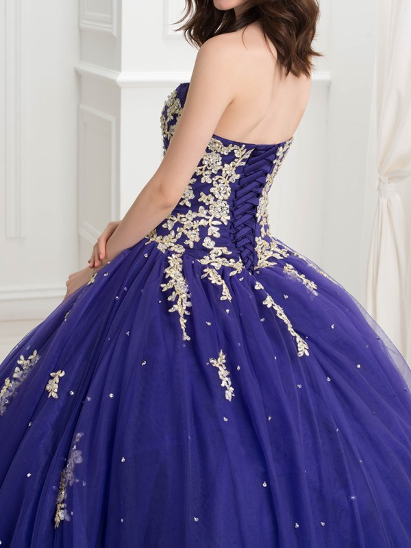 Glamorous Sweetheart Ball Gown Appliques Beaded Quinceanera Dress
