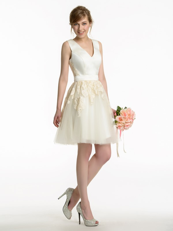 V-Neck Lace Appliques Mini Bridesmaid Dress