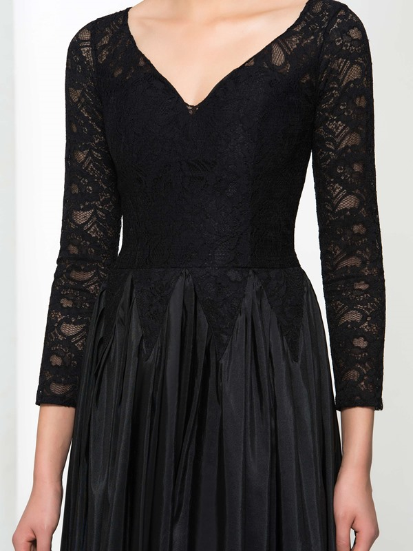 Vintage V-Neck Long Sleeves Black Lace Evening Dress