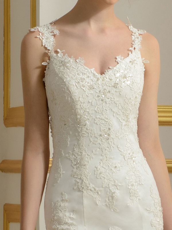Lace Appliques Spaghetti Straps V-Neck Mermaid Backless Wedding Dress