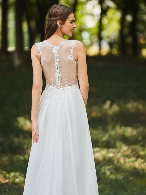 Buttoned Sheer Back Appliques A-Line Beach Wedding Dress