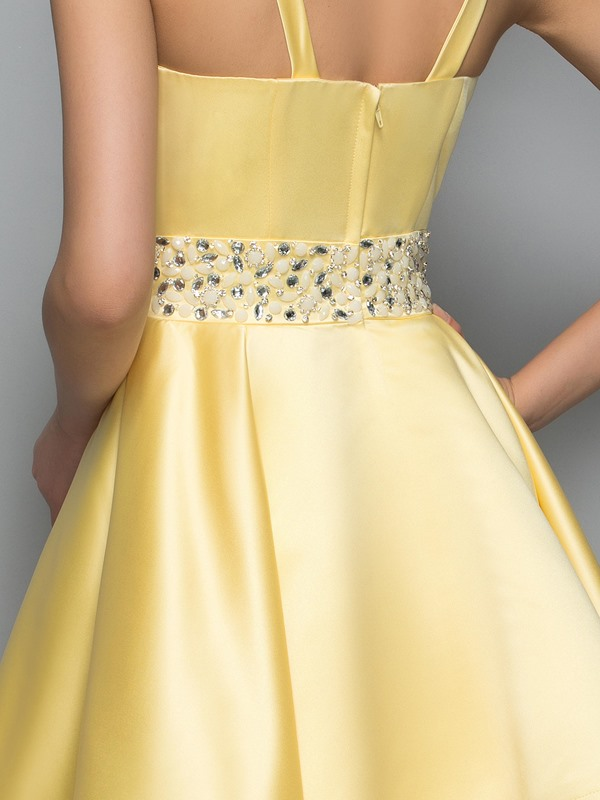 Modern Straps Beading Tiered Knee-Length Homecoming Dress