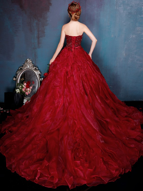 Luxurious Ball Gown Beaded Sweetheart Appliques Quinceanera Dress