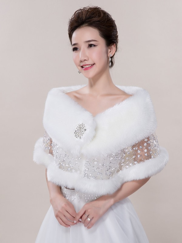 Pretty White Faux Fur Wedding Shawl