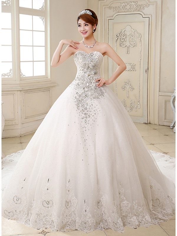 Deluxe Rhinestone Beaded Sweetheart Ball Gown Wedding Dress