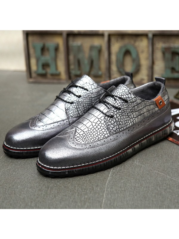 Embossed PU Wingtip Lace-Up Casual Shoes