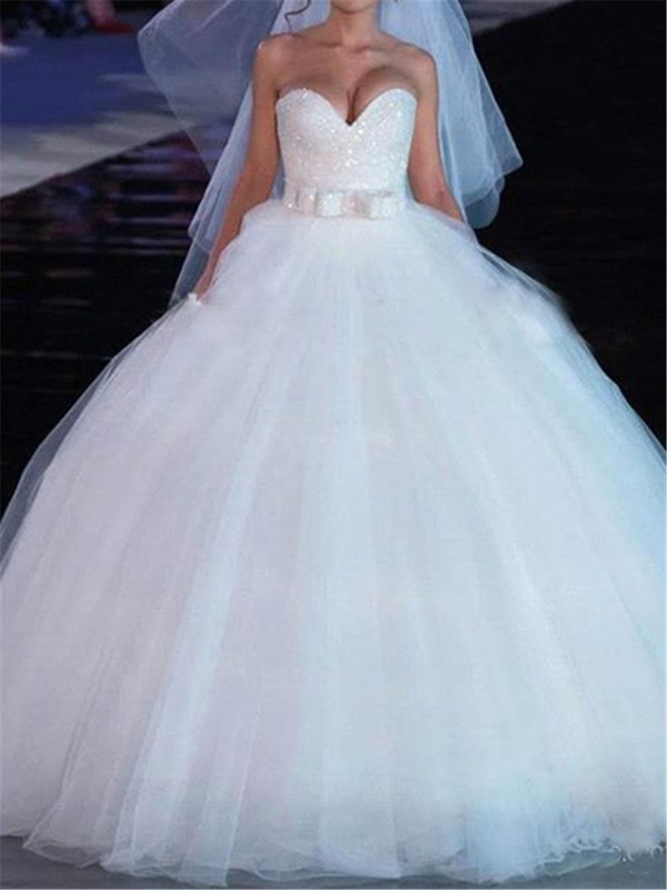 Sweetheart Bowknot Beading Bodice Ball Gown Wedding Dress