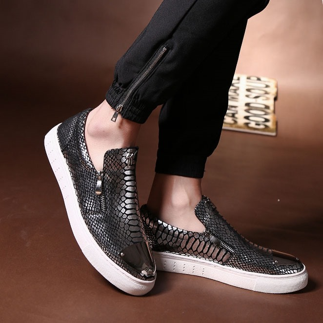 Embossed PU Oblique Zipper Skater Shoes