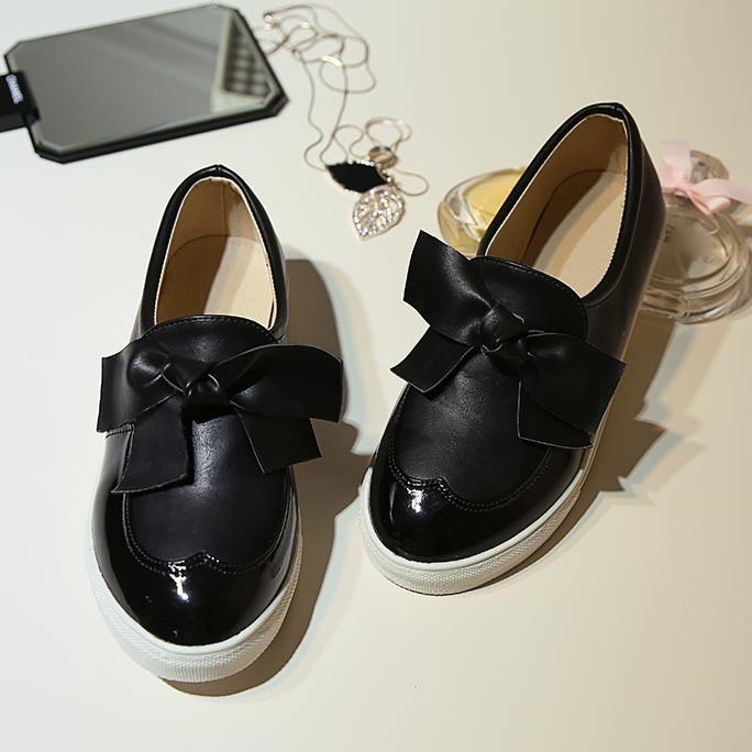 Bowknots PU Round Toe Loafers