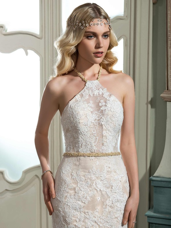 Elegant Lace Halter Sleeveless Mermaid Wedding Dress