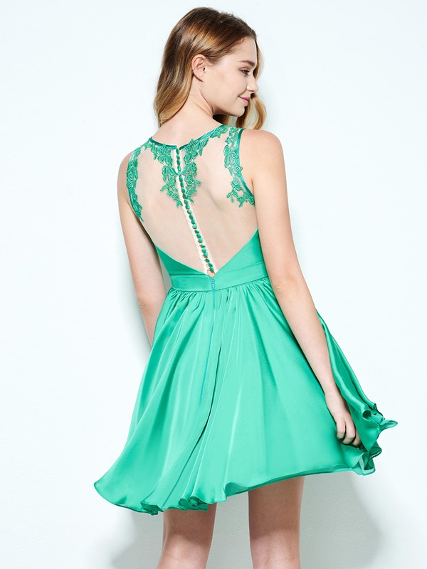 Charming Straps Appliques Draped Short Homecoming Dress