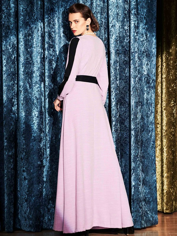 ContrastColor Long Sleeve Expansion Maxi Dress