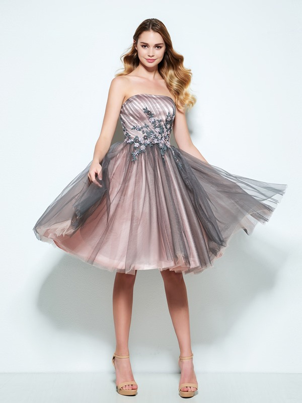 Strapless A-Line Pleats Appliuqes Homecoming Dress