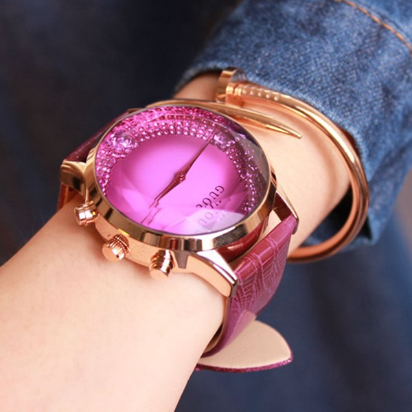 Butterfly Pattern Analog Watch for Women