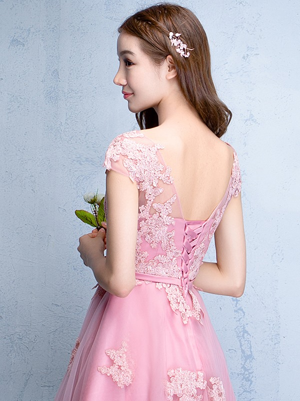 Fancy Bateau Neck Cap Sleeve Appliques Short Homecoming Dress