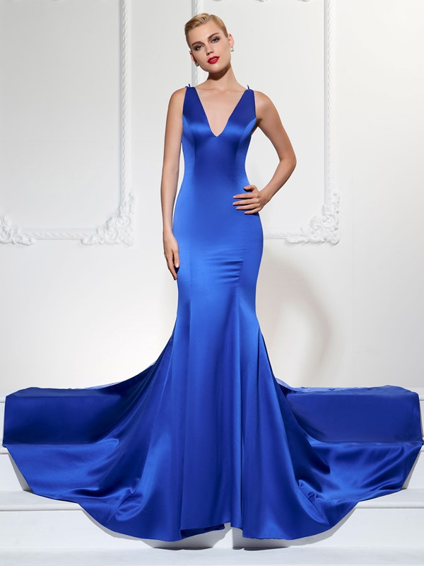 Mermaid V-Neck Lace Court Train Evening Dress
