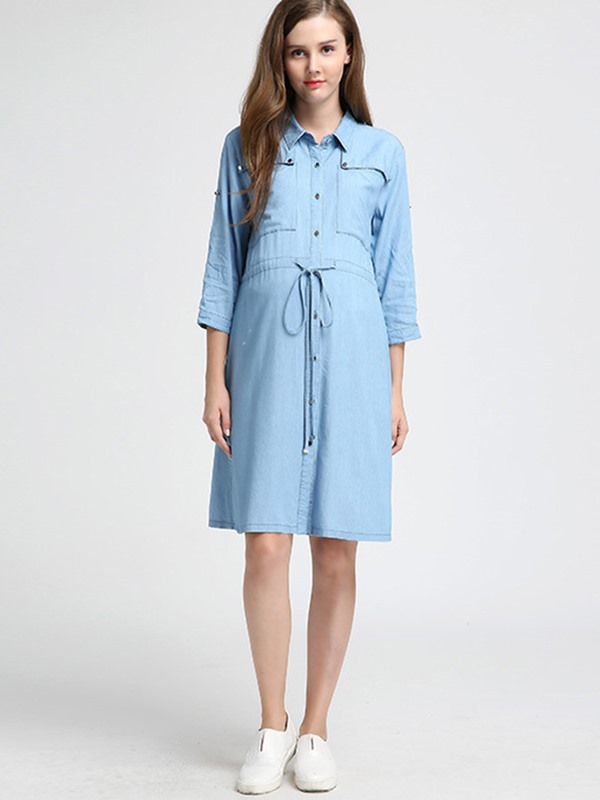 Chic Denim Button-Front 3/4 Sleeve Maternity Dress