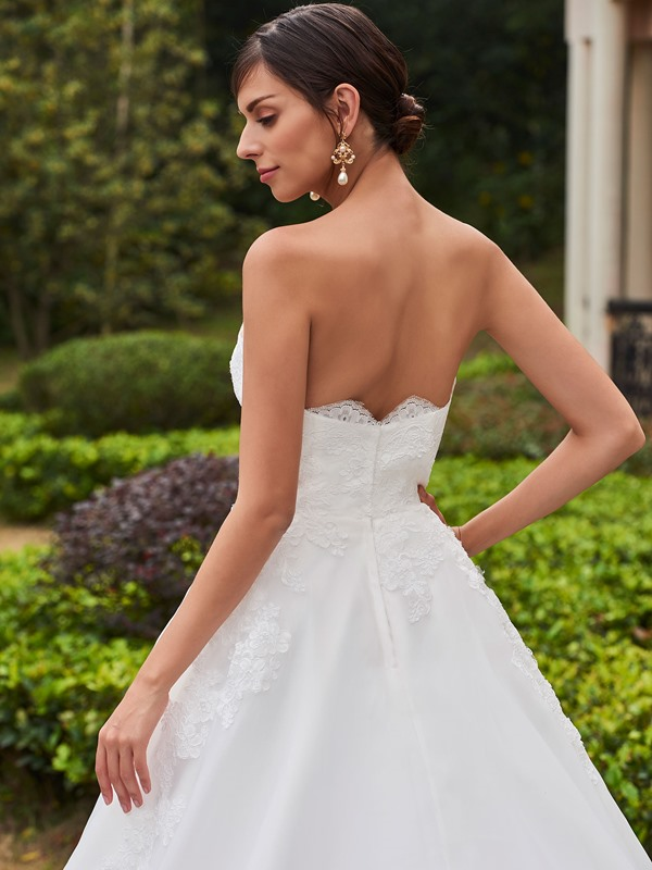 Appliques Strapless Ball Gown Court Train Wedding Dress