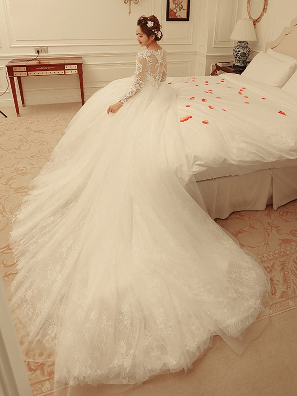 Fancy V-Neck Long Sleeves Beaded Appliques Wedding Dress
