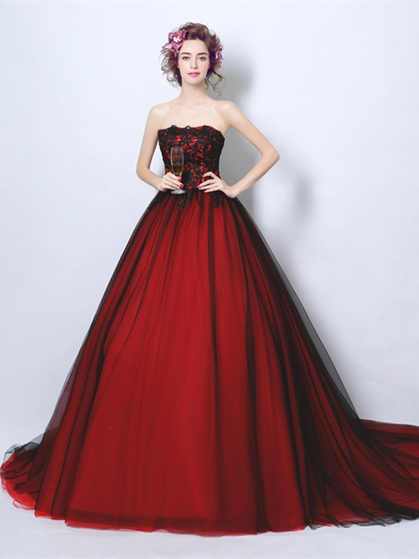 Vintage Strapless Ball Gown Appliques Court Train Quinceanera Dress