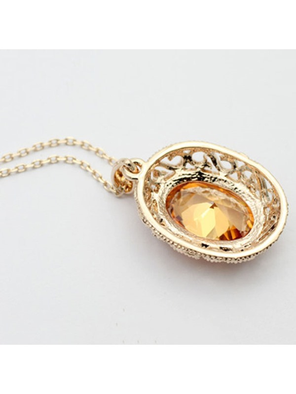 High Quality Ellipse Crystal Pendant Necklace