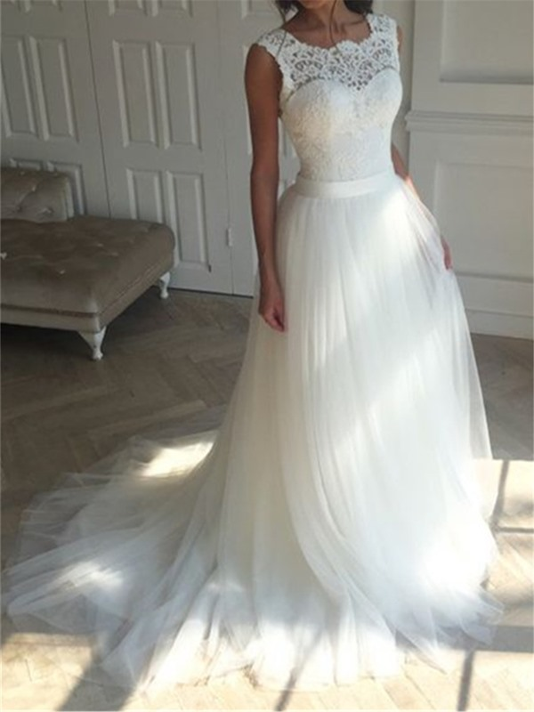 Fair Straps Lace Top Tulle Wedding Dress