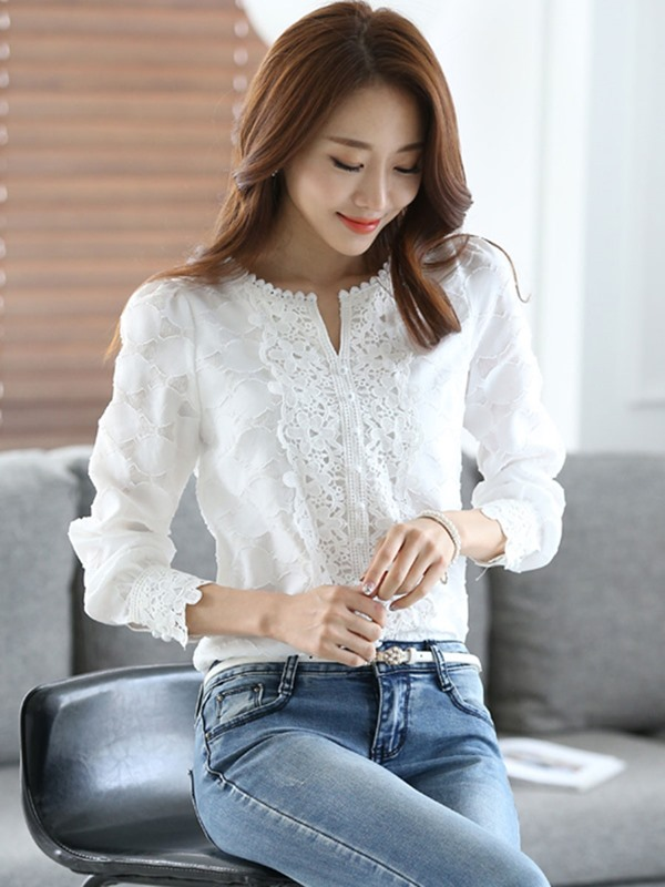 Slim Lace V-Neck Blouse