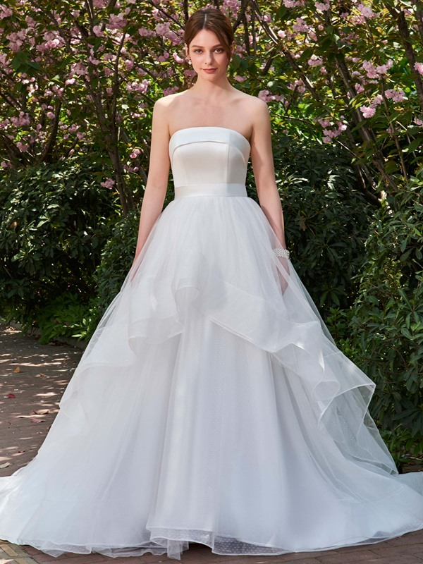 Brilliant Strapless Tiered Tulle Button Wedding Dress