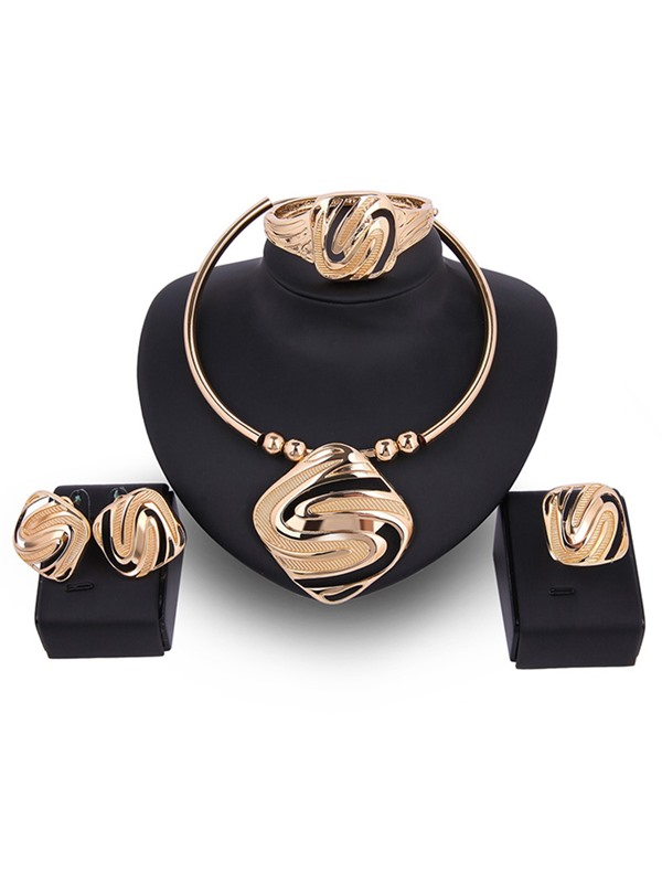 Gold Geometric Design Four-Pieces Jewelry Set