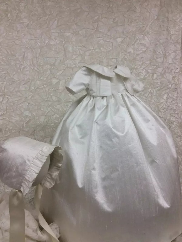 Simple Taffeta Baby Girl's Christening Dress With Short Sleeves
