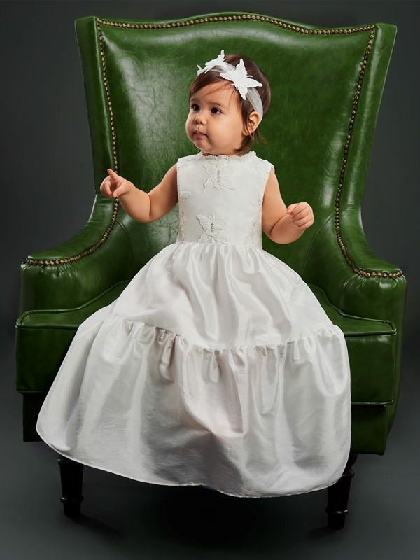 Lace Jewel Neck Sleeveless Baby Girl's Christening Gown