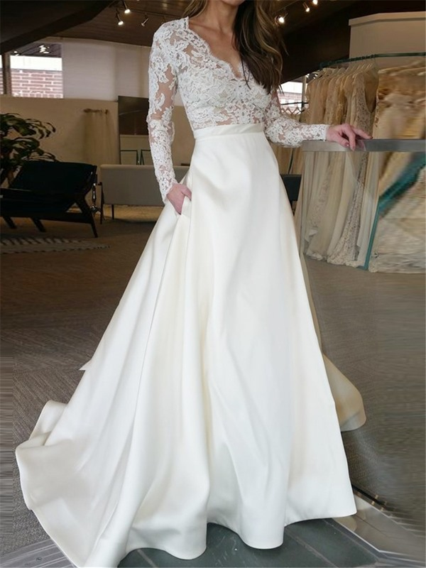 Appliques Long Sleeve Wedding Dress with Pockets