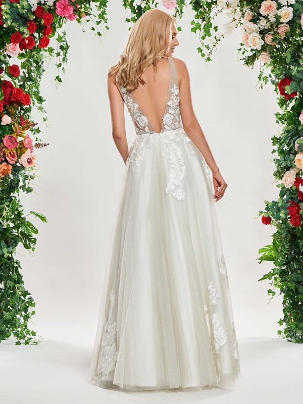 Sexy Deep V-Neck Appliques Wedding Dress