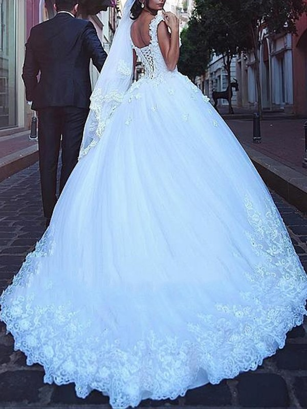 Cap Sleeves Lace-Up Appliques Wedding Dress