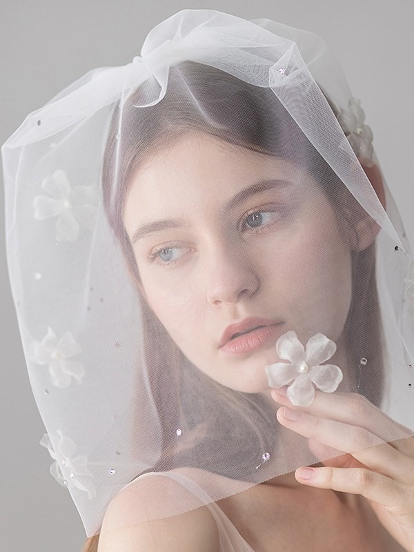 One-Layer Appliques Cut Edge Beading Wedding Veil 2019