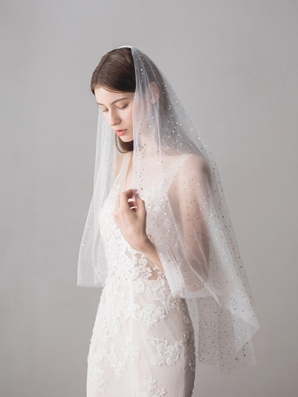Two-Layer Cut Edge Lace Fingertip Wedding Veil 2019
