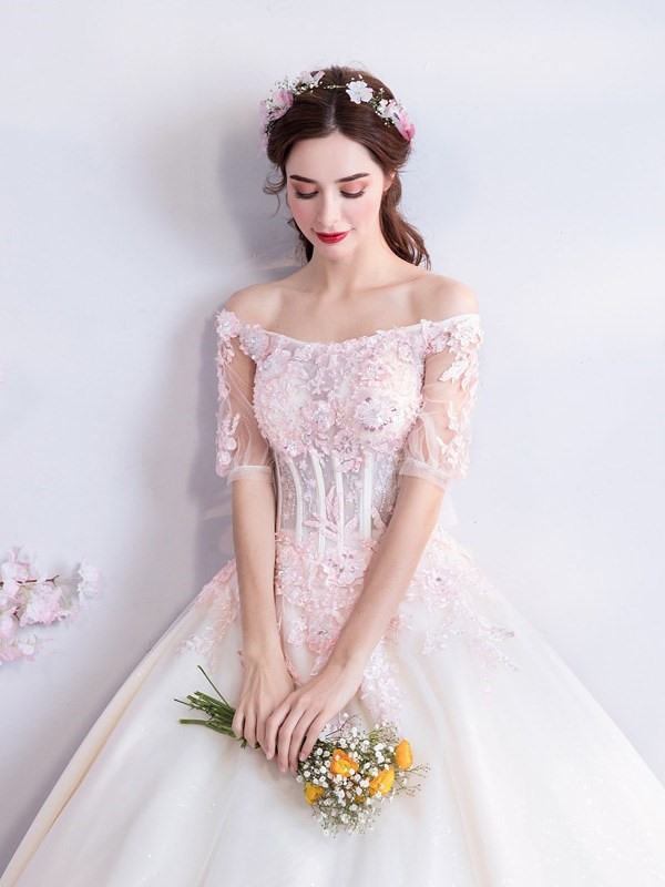 Floor-Length Off-The-Shoulder Half Sleeves Appliques Quinceanera Dress 2019