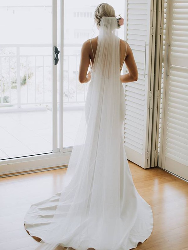 Floor-Length Sleeveless Court Trumpet Beach Wedding Dress 2019