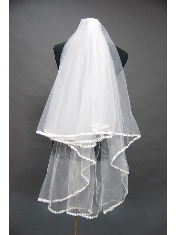 Fingertip Bridal Veil with Lace Applique Edge